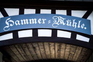 Eingangsschild der Hammermühle